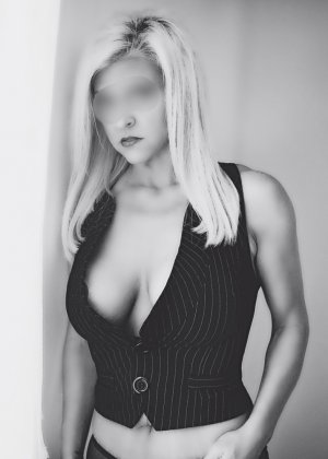 Cherifa escorts in Streetsboro, OH